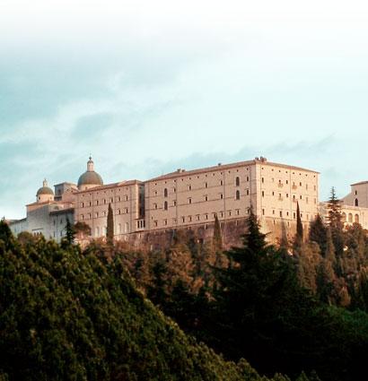 Monastère du Monte Cassino tel que reconstruit après la guerre